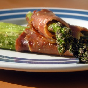 """What's Your Favourite Place in the Entire World?"" Prosciutto Wrapped Asparagus Bundles"